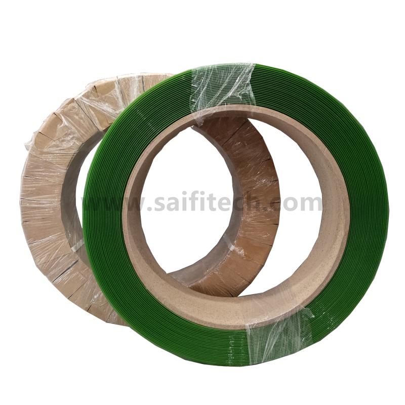 Kapela zelených polyesterových pásů PET